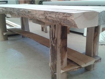 tavolo rustico in noce